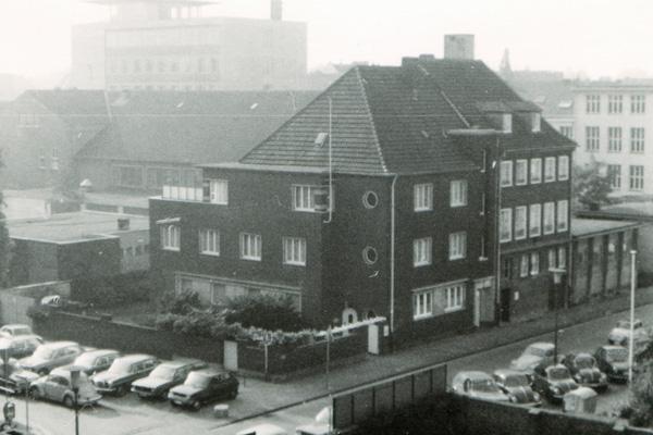 Hautaerzte_klepper_gross_historie_1978